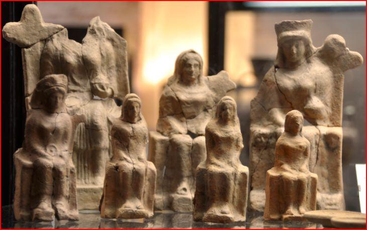 Roccagloriosa statuette femminili del complesso A foto 5