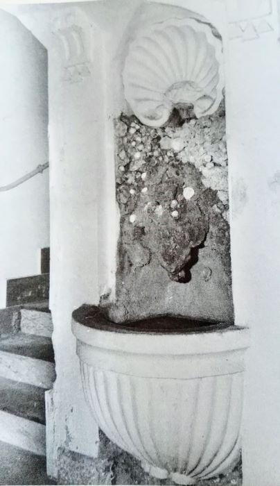 fontana palazzo martuscelli 2